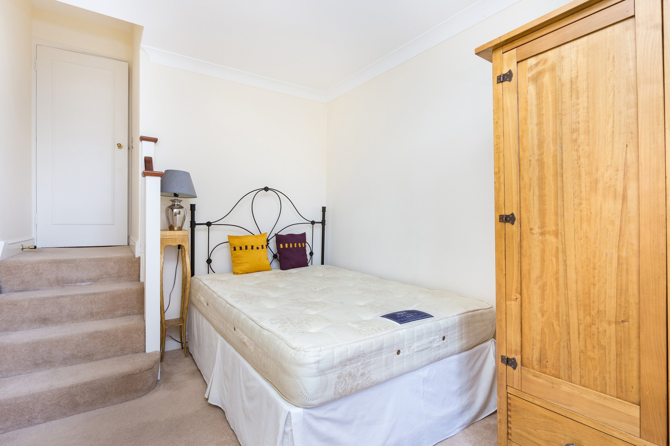 Portico 2 Bedroom Flat Recently Let In Earls Court Earls Court Square Sw5 460pw