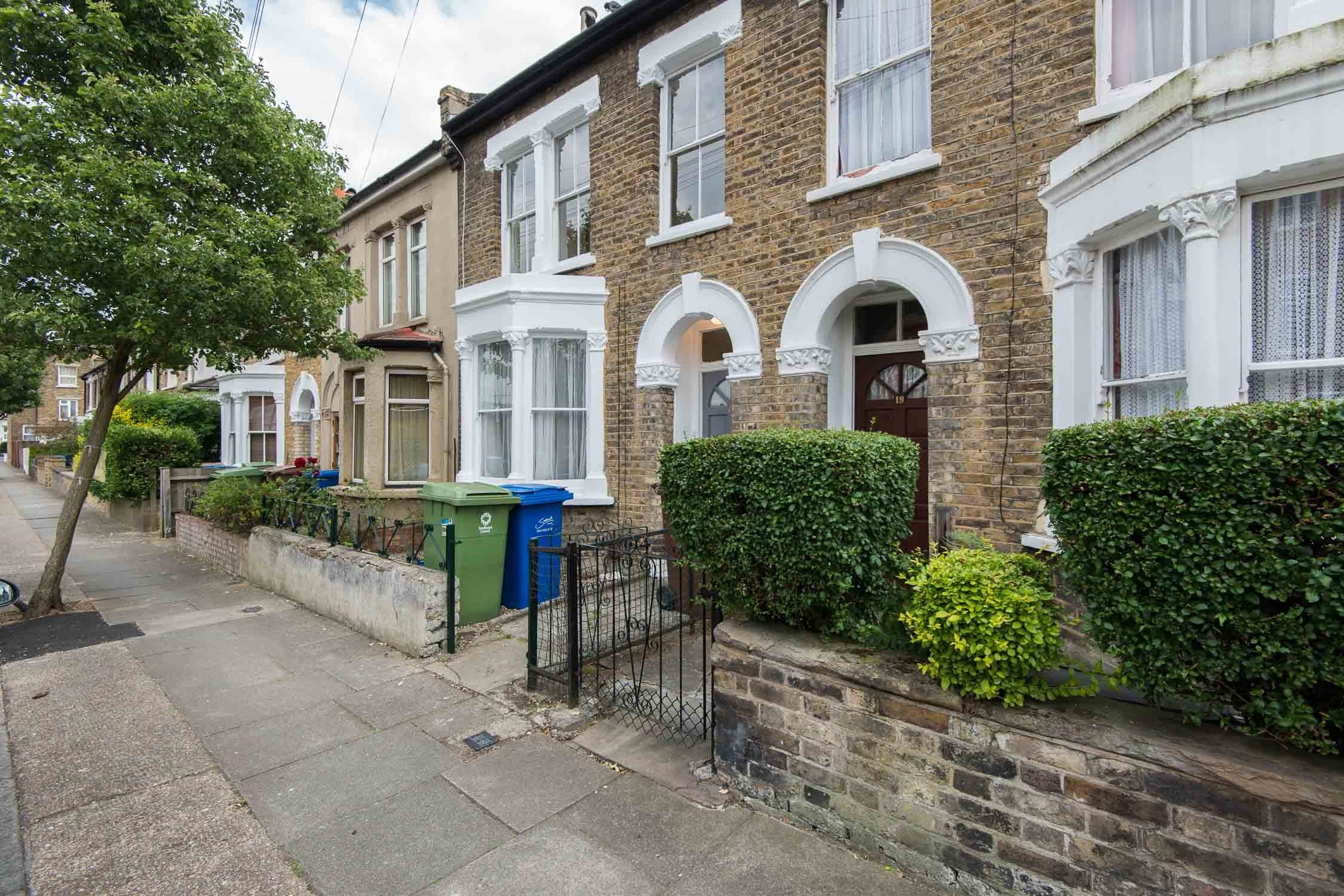 Portico 2 bedroom house recently let in east dulwich for 1 9 terrace road dulwich hill