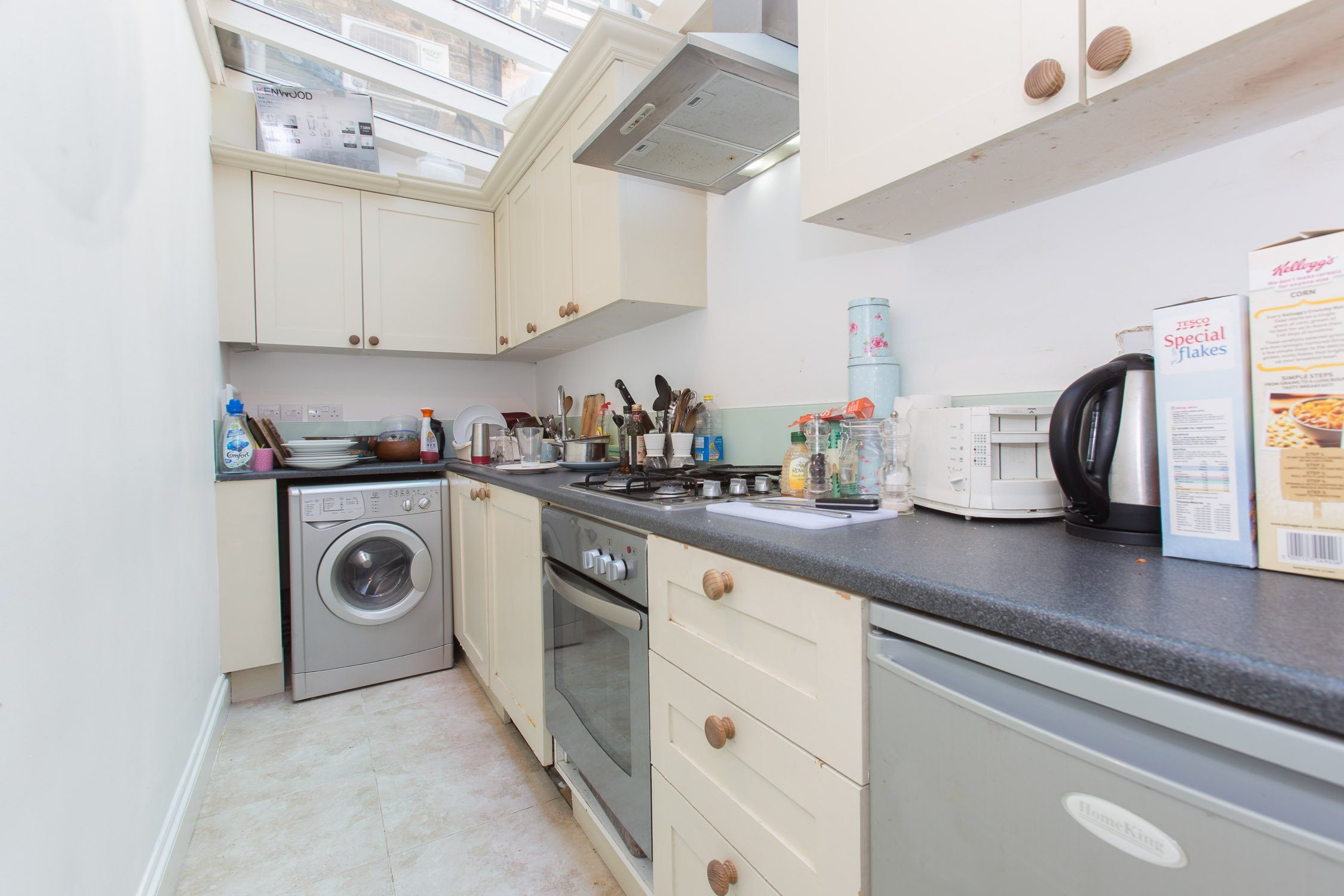 Portico 2 bedroom flat recently let in fulham munster for Discount bathrooms fulham
