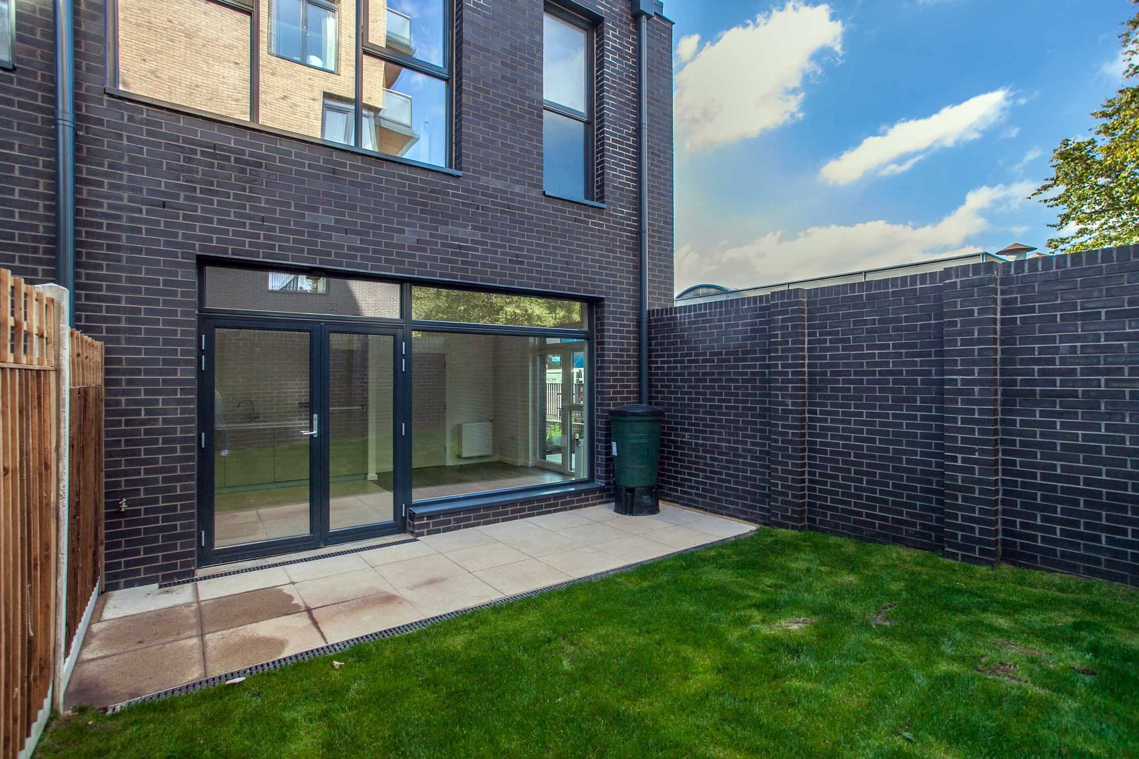 Portico 3 Bedroom House Recently Let In Acton