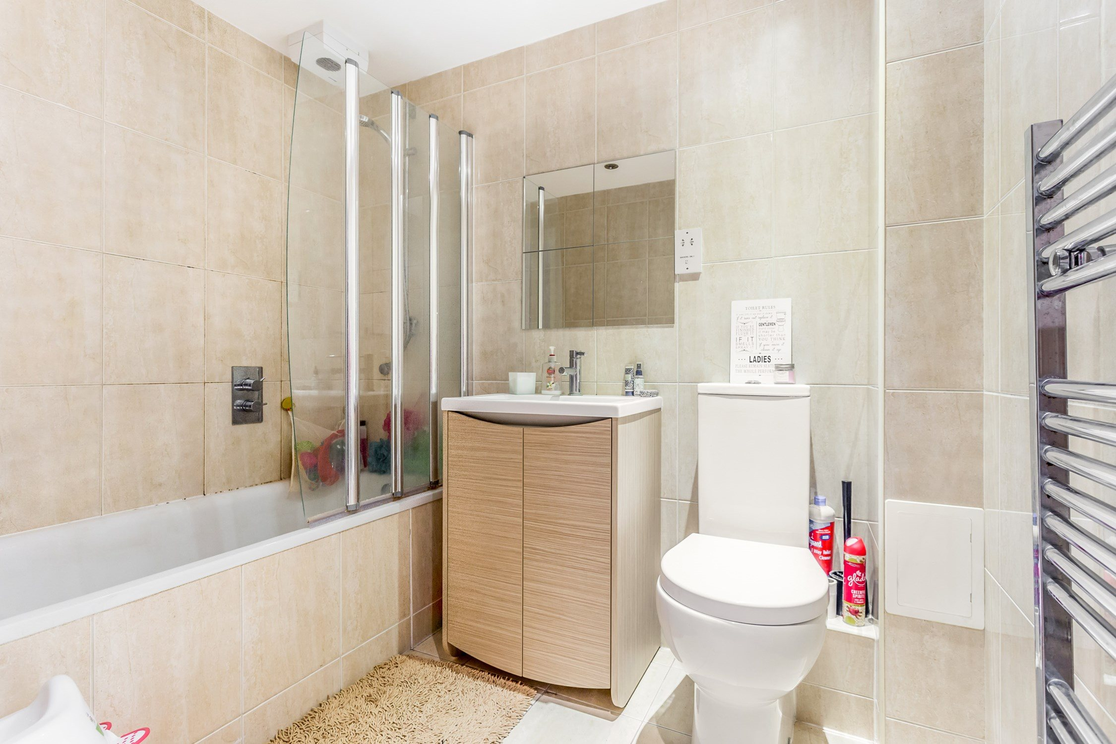 Portico - 2 Bedroom Flat recently let in Highams Park: Church Avenue ...