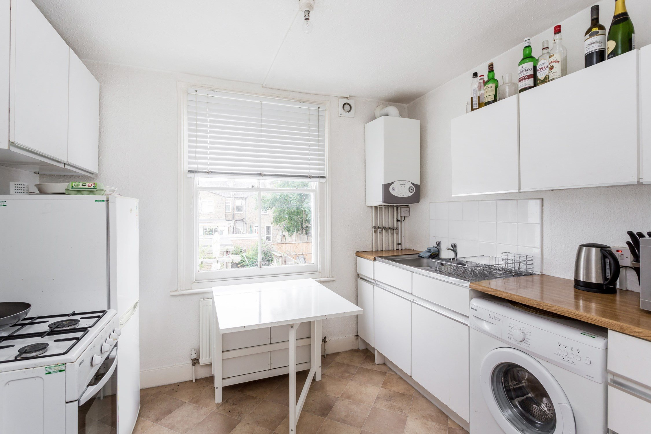 Portico - 1 Bedroom Flat recently let in Walthamstow: Spruce Hills ...