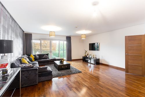Portico - 40 Bedroom Flat recently let in Chigwell: Hainault Road ... | just furniture hainault