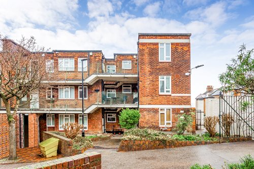 St James's Ln, Muswell Hill, London N10, UK - Source: Portico