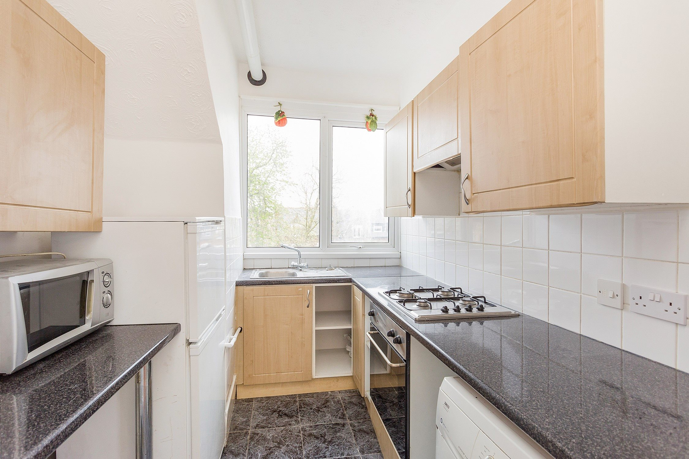 Portico - 3 Bedroom Flat recently sold in Tulse Hill: Christchurch ...
