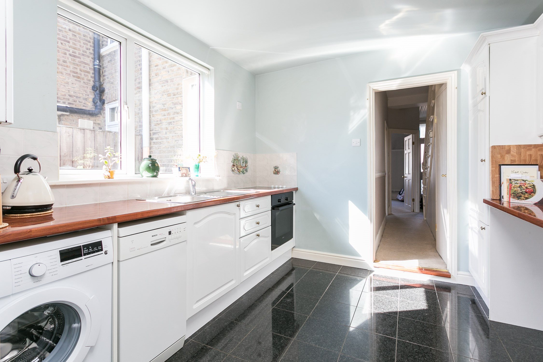 Portico - 3 Bedroom House recently sold in Leyton: St. Mary\'s Road ...