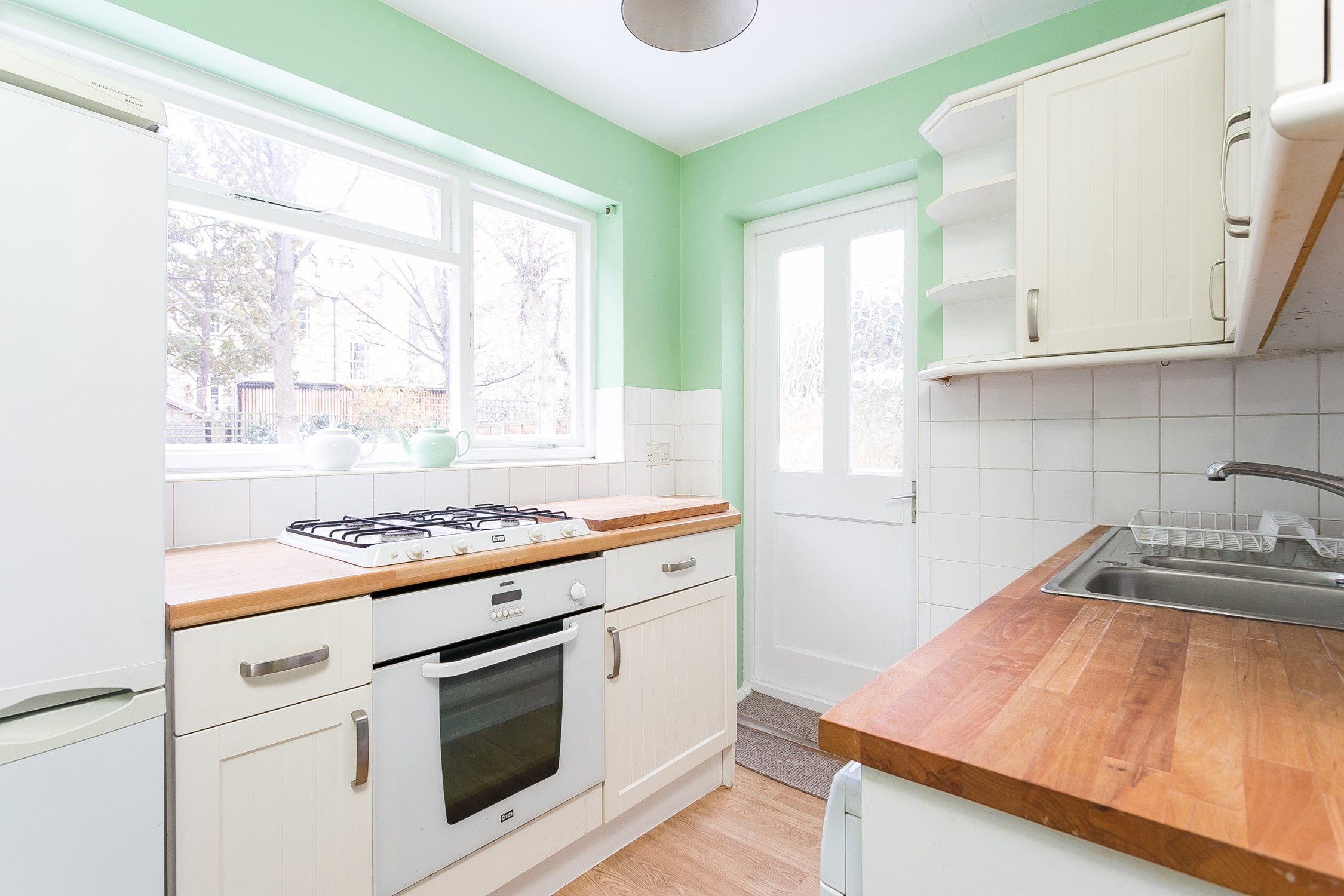 Portico - 3 Bedroom House for sale in Hackney: Shrubland Road, E8 ...