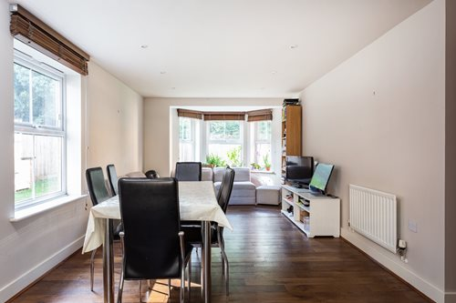 Portico 2 Bedroom Flat For Sale In East Dulwich Hayes Grove Se22 499 950